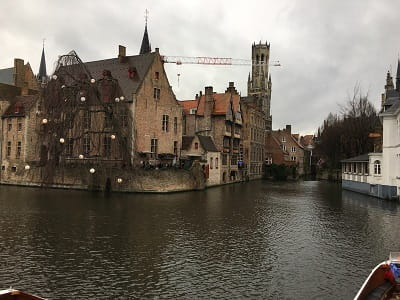 An image of one of the most famous views in Briges, a canal lined with old buildings